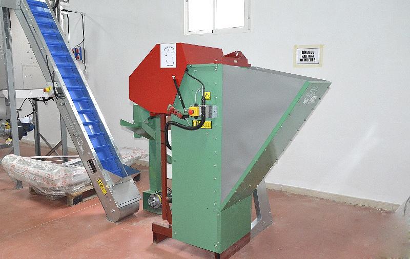 Máquina peladora de nueces